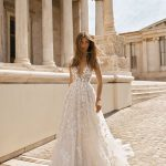 berta-designer-wedding-dress-at-metal-flaque-paris-france