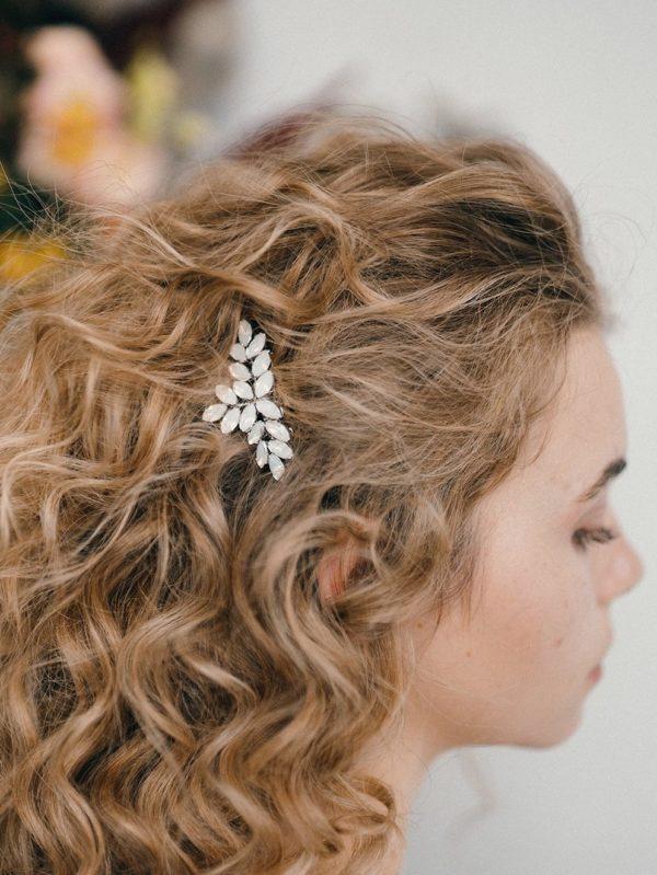 accessoire-cheveux-mariee-peigne-cristaux-swarovski