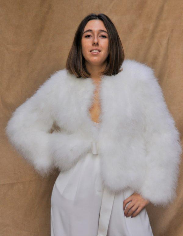 accessoire-mariee-veste-plumes-chaud