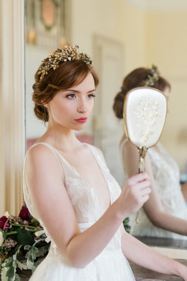 accessoire-cheveux-mariee-couronne-or-fleurs-cristaux