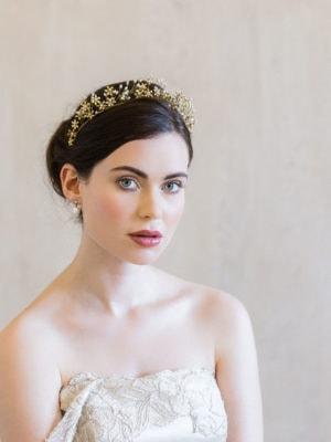 accessoire-cheveux-mariee-couronne-or-perles-fleurs