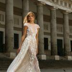 designer-wedding-dress-berta-20-112-avec-traine