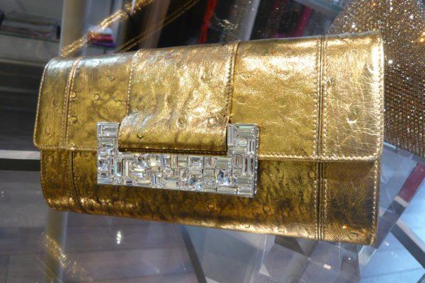 pochette-judith-leiber-brilliant-gilded-ostrich-gold